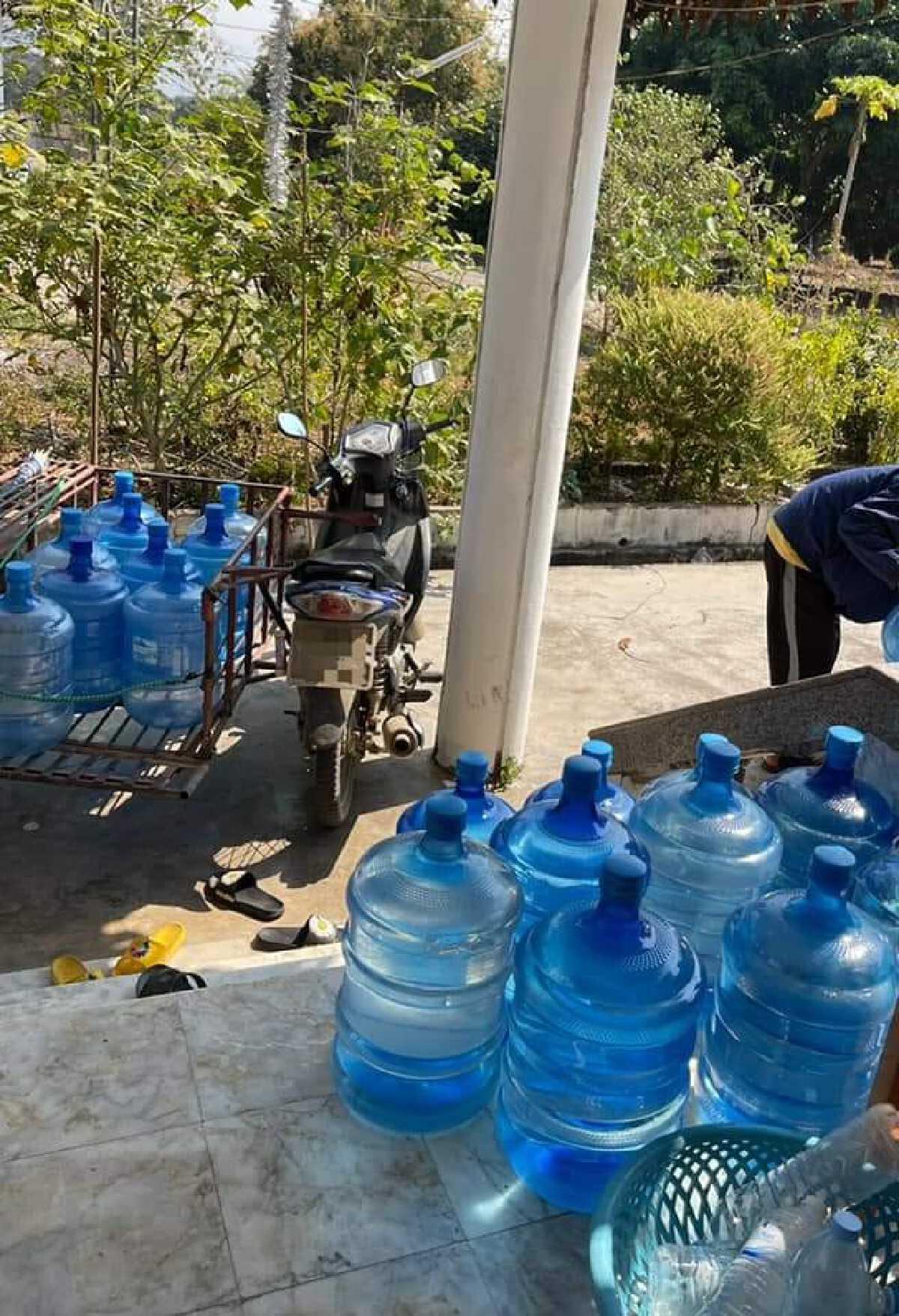 ชาวบ้านทนทุกข์ไม่มีน้ำใช้ โทรเเจ้งได้คำตอบบ้านอยู่ไกลไม่รู้จะช่วยยังไง