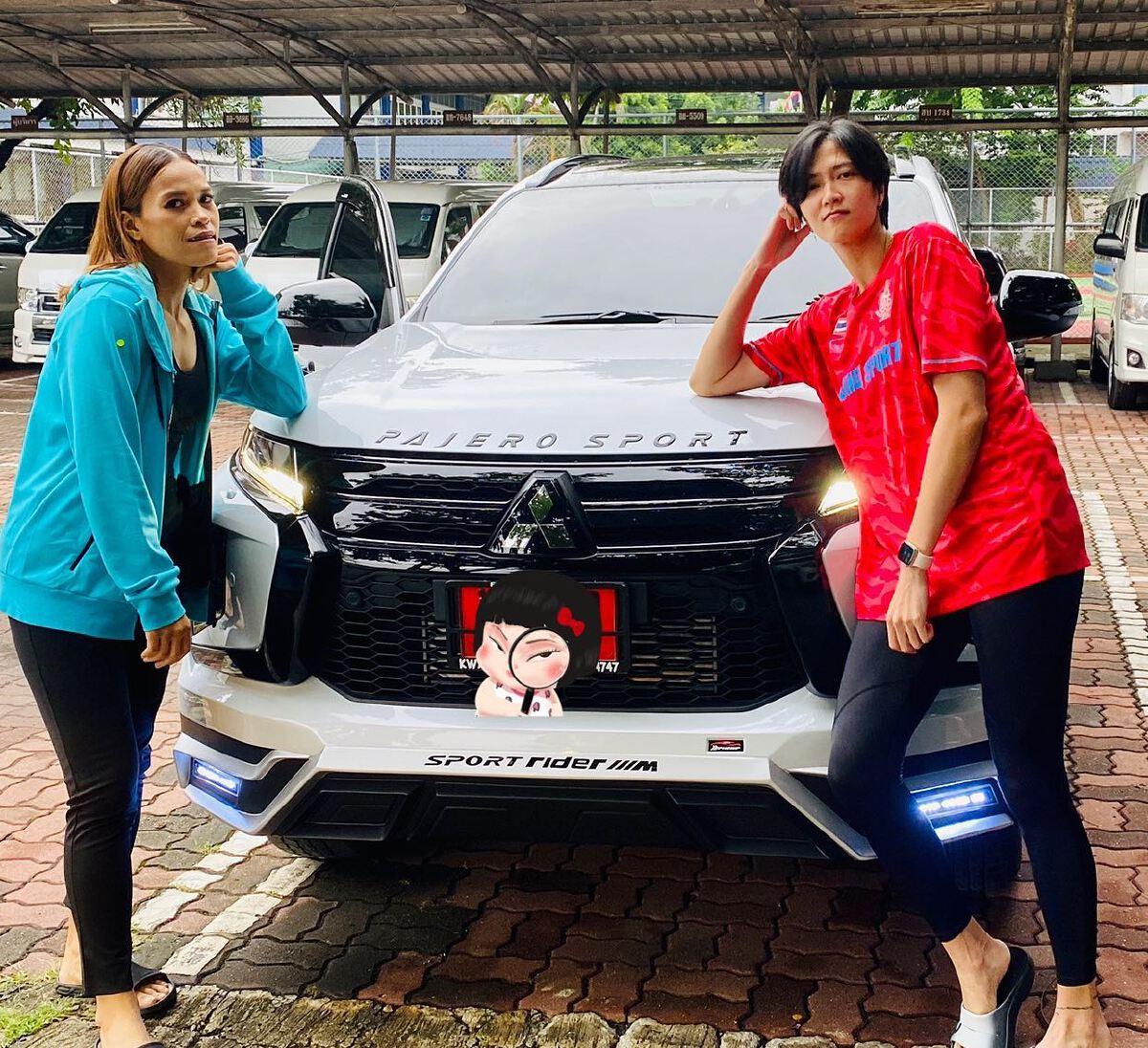เปิด 6 รถหรู นักตบลูกยางสาวทีมชาติไทย ที่ได้จากน้ำพักน้ำแรง ก่อนอำลาวงการ