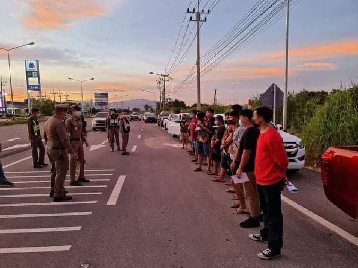 แก๊งกระบะซิ่งหัวร้อนถูกตำรวจจับ โพสต์ด่าสำนึกบ้างมีถนนใช้เพราะภาษีใคร