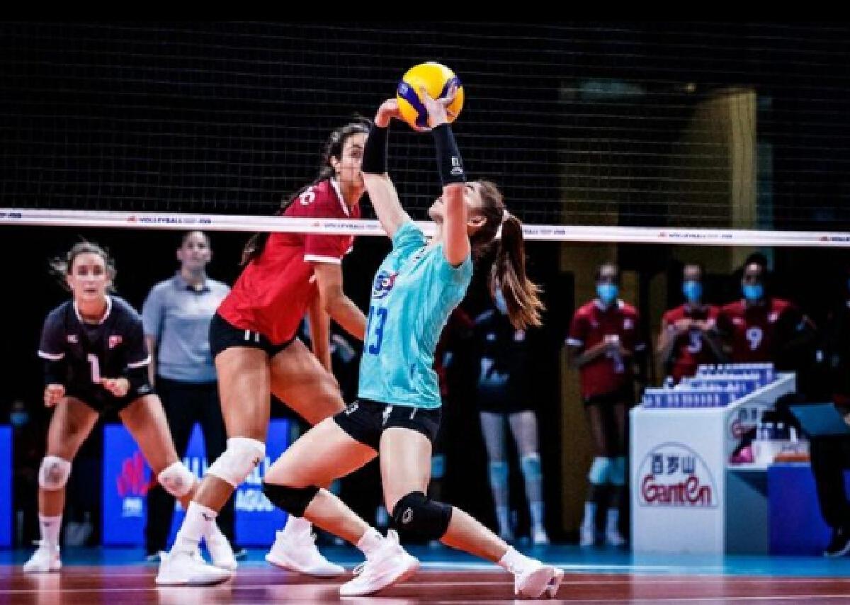 นุศรา ต้อมคำ นักวอลเลย์บอลหญิงทีมชาติไทย อำลา