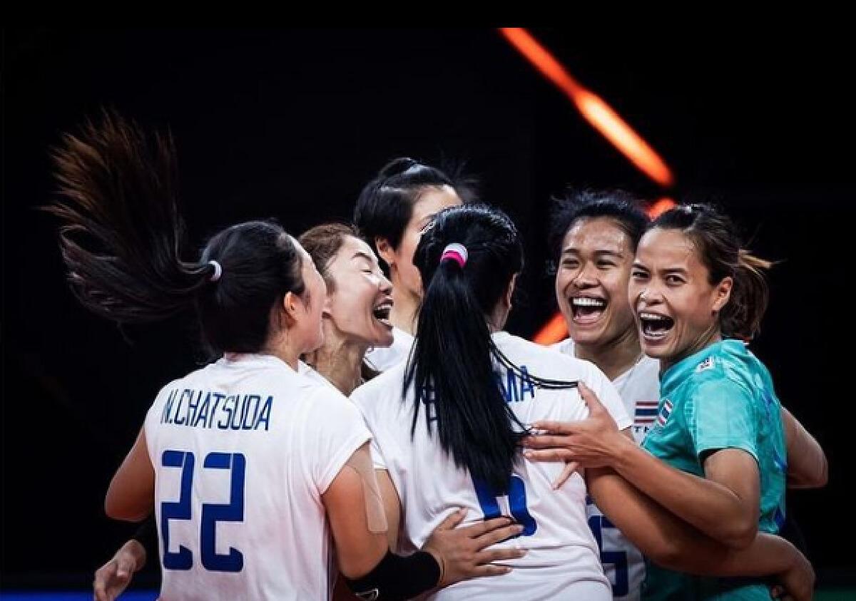 สรยุทธ สุทัศนะจินดา โชว์เสื้อในตำนาน พร้อมส่งข้อความถึงทีมวอลเลย์บอลไทย