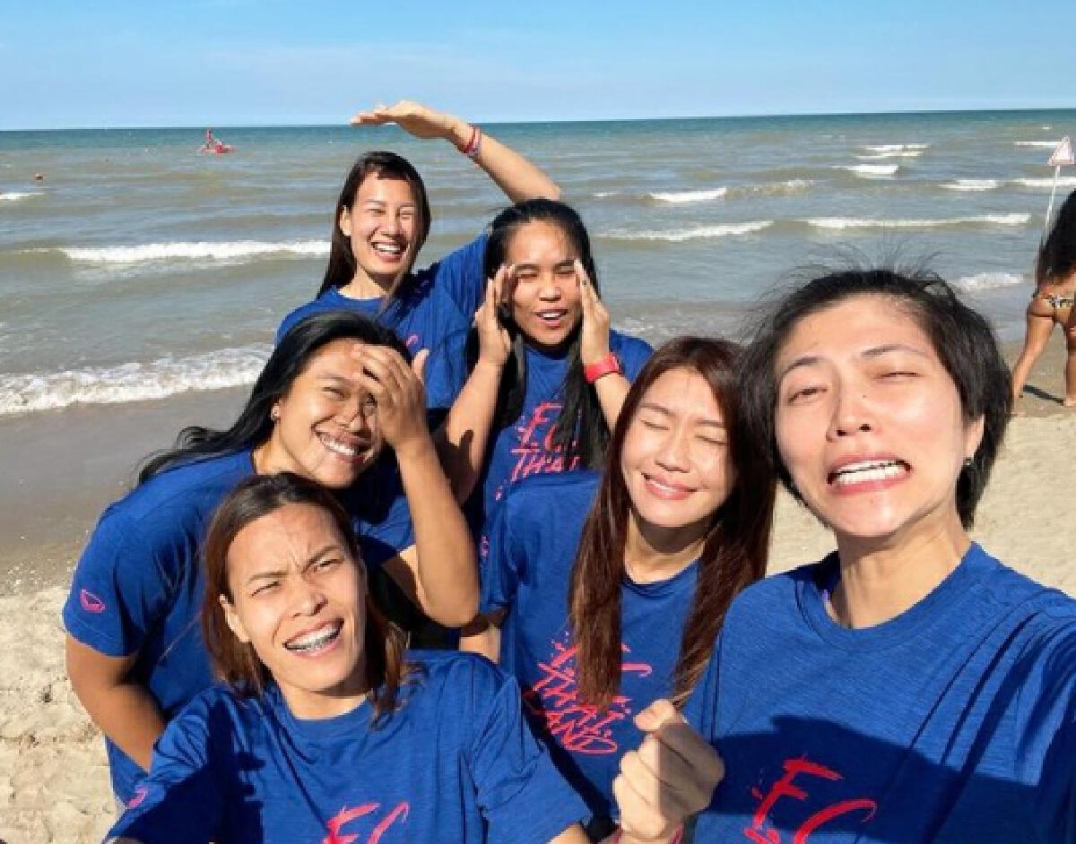 6 เซียนตบสาวไทย นักวอลเลย์บอลทีมชาติไทย อำลา