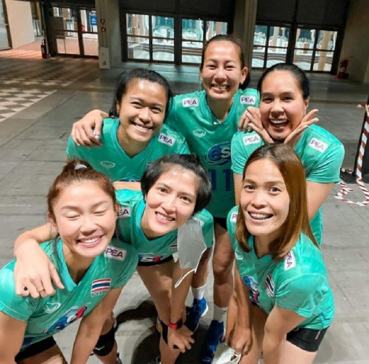 นักวอลเลย์บอลทีมชาติ 6เซียนตบสาวไทย อำลา