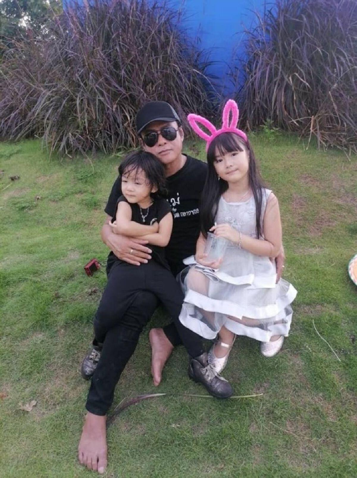 โฉมภรรยาและลูกๆ ของธันวา ราศีธนู