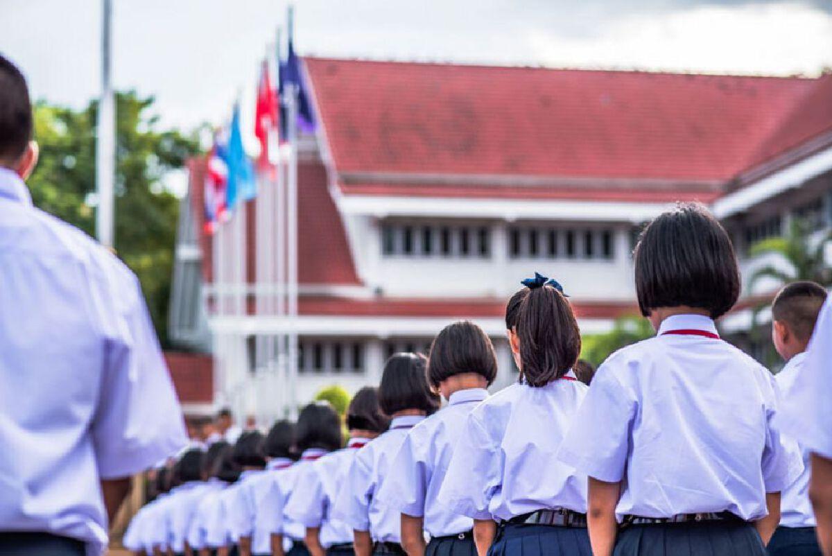 """รัฐมนตรีว่าการกระทรวงศึกษาธิการ ย้ำไม่บังคับโรงเรียน """"เปิดเทอม"""" เต็มรูปแบบ พร้อมกันทั้งหมด"""