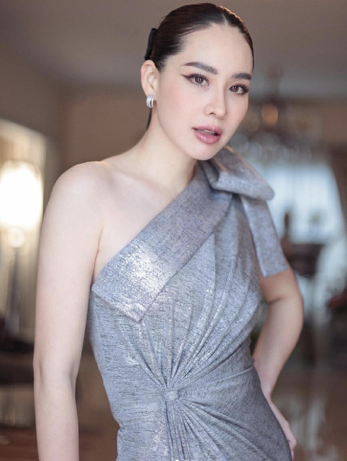นุ้ย สุจิราอรุณพิพัฒน์ ดีกรีอดีตนางสาวไทยประจำปี 2544