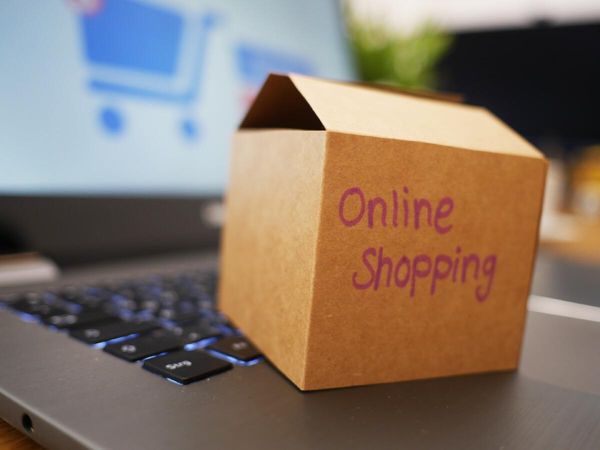 """นักช้อปควรรู้ """"ซื้อของออนไลน์"""" แล้วโดนโกง มีวิธีขอเอาเงินคืนง่ายๆ"""