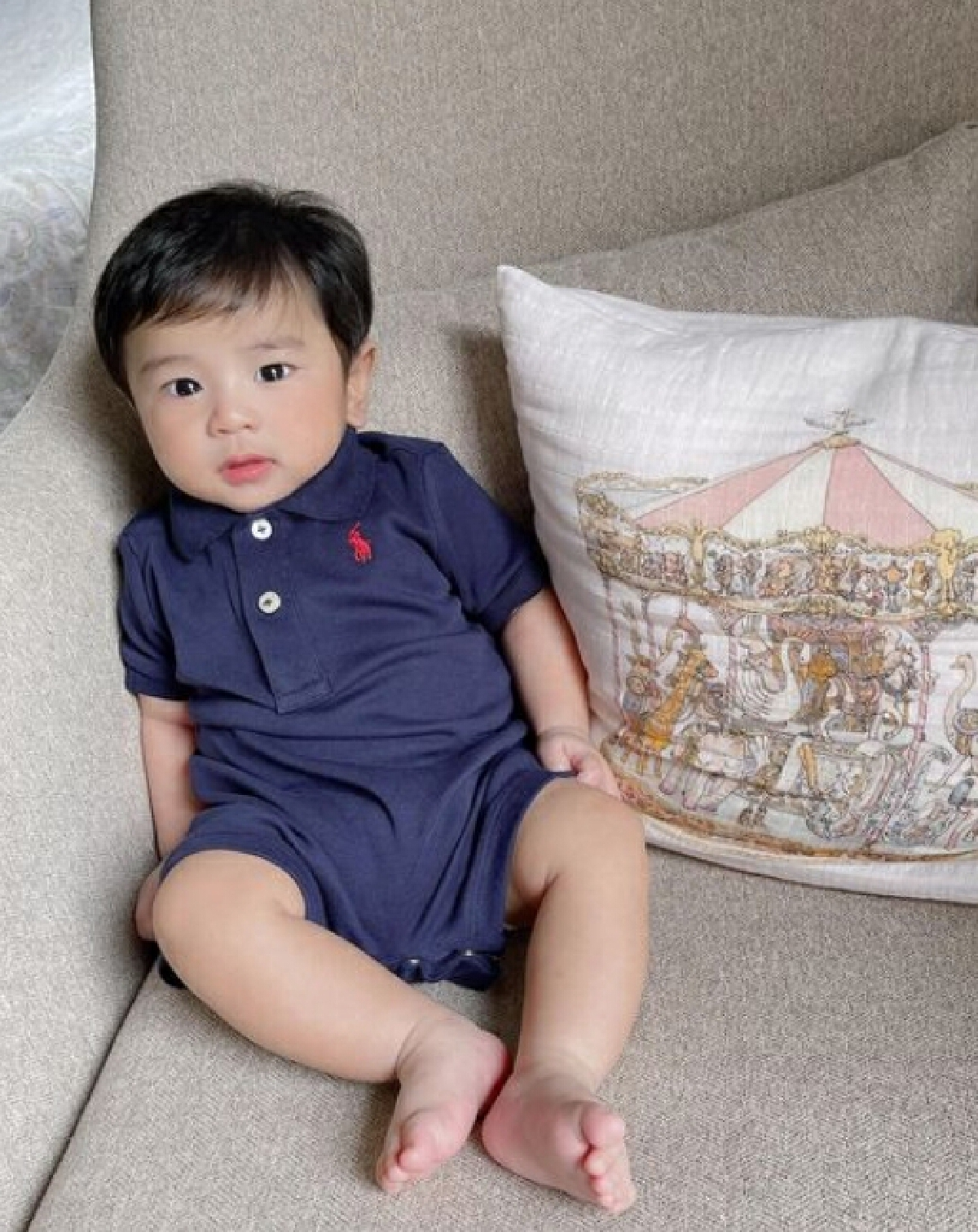 """ขนมจีน กุลมาศ  อวดโฉมลูกชาย """"น้องไคเดน"""" ฉายแววความหล่อ อายุครบ 5 เดือน"""
